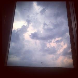 clouds cloudy rain Continua a leggere rarr